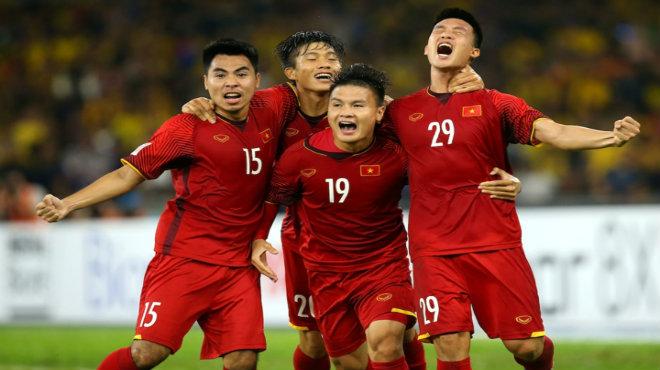 BTC AFF Cup 2018 CÔNG BỐ top 6 cầu thủ xuất sắc nhất trận chung kết lượt đi: Quang Hải, Đức Huy cạnh tranh sòng phẳng với cả đội bạn