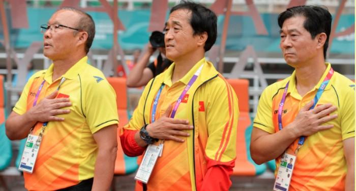 Việt Nam nhận hung tin trước thêm ASIAN Cup 2019: Canh tay phải đắc lực của thầy Park chính thức chia tay ĐTVN