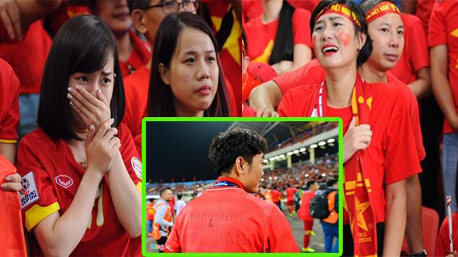 CẢM ĐỘNG: Đồng đội chúc mừng cùng bạn bè, người thân; Xuân Trường mặc áo có tên Tuấn Anh, Văn Thanh khiến tất cả không thể cầm lòng