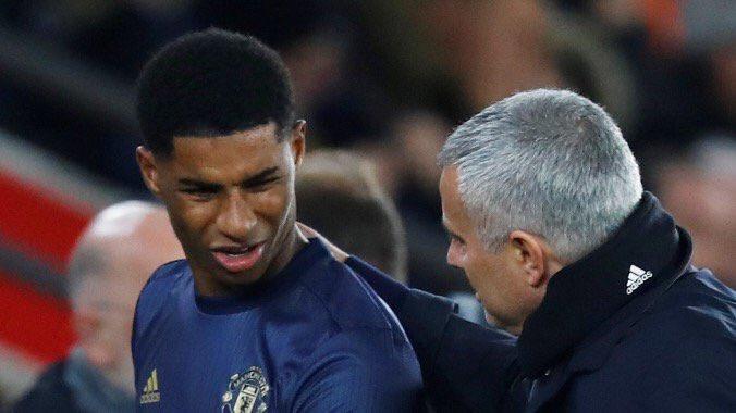 Rashford nói gì với Mourinho trước khi bị thay ra?