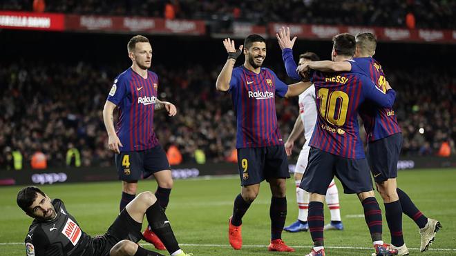 Messi thiết lập cột mốc siêu kỷ lục mà Ronaldo nằm mơ cũng không làm được; Barca đại thắng Eibar ngay trên sân nhà