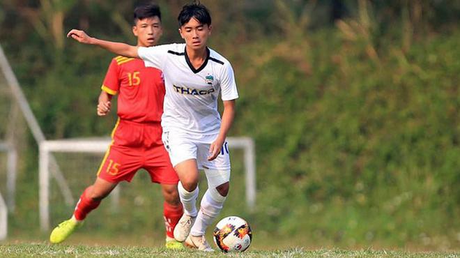 Em họ Công Phượng lập cú đúp, U15 HAGL xuất sắc đánh bại Bình Định trong trận mở màn