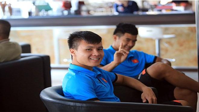 """BLV Quang Tùng bất ngờ """"chỉ tội"""" 2 công thần của U23 Việt Nam"""