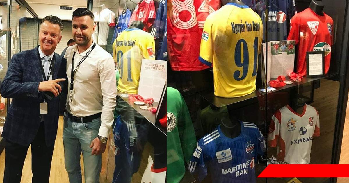 Áo đấu của cựu sao V-League được trưng bày ở bảo tàng bóng đá tại Hà Lan