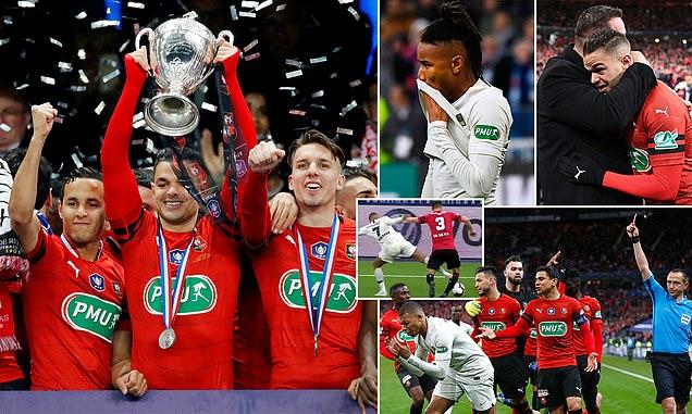 """Neymar ghi bàn, """"tội đồ"""" Mbappe nhận thẻ đỏ, PSG vuột mất cúp quốc gia Pháp"""