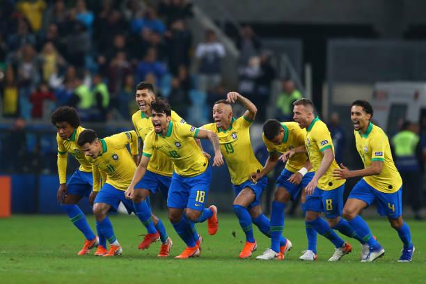 Hạ gục Paraguay ở loạt sút Pen cân não, Brazil tiến thẳng vào bán kết