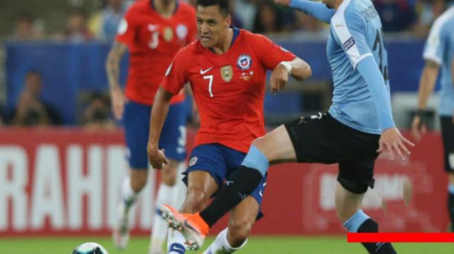 Kết quả Chile – Uruguay: Siêu sao rực sáng, giật ngôi đầu bảng ngoạn mục (Copa America)