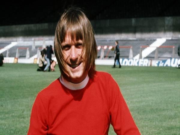 Bóng đá quốc tế chiều 22/12: Cựu sao MU qua đời ở tuổi 74