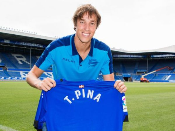 Tiểu sử cầu thủ Tomás Pina và sự nghiệp bóng đá chuyên nghiệp