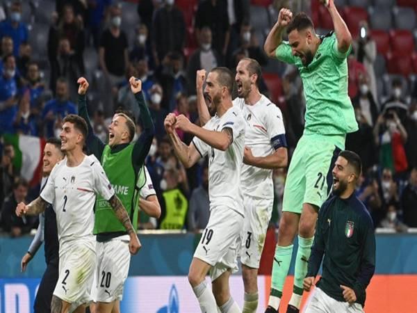 Bóng đá QT 3/7: Hạ Bỉ, Italia thiết lập kỉ lục siêu khủng